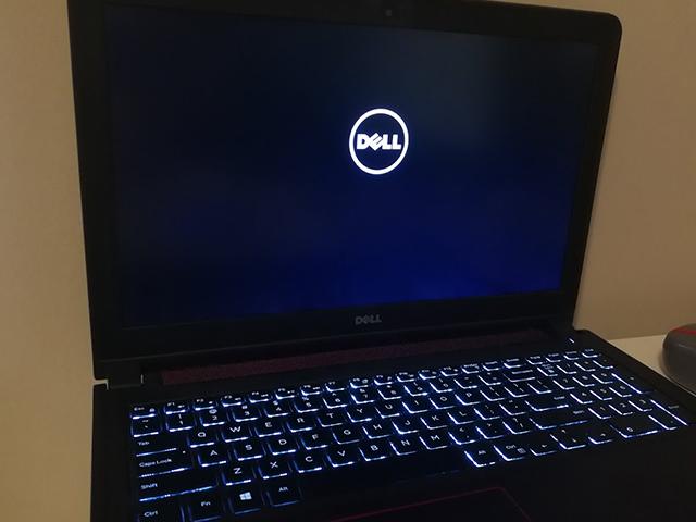 Khởi động lại khi laptop bị treo logo