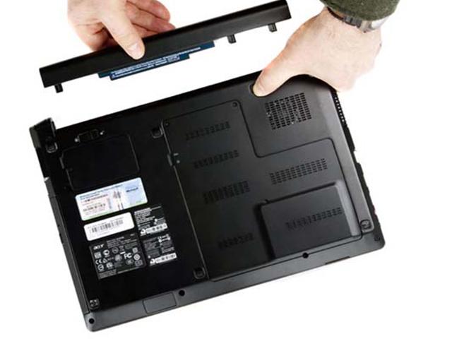 Kiểm tra pin laptop dell khi máy không nhận sạc